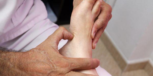 foot-reflexology-3781151_1920